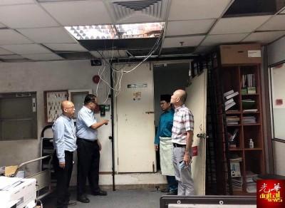 林立迎(右起)、阿末弗亚、方贵伦与林晋伙,在现场了解情况。(单敬茵提供照片)