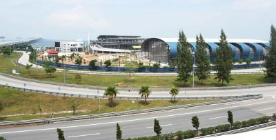 """峇都茅垃圾转运站预料在今年年杪启用,届时槟岛的垃圾无需再""""飘洋过海""""到威省进行处理及分类了。"""