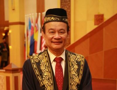 倪可汉方于本月初被选为霹州议长,他也是霹州议会史上首位华裔议长。