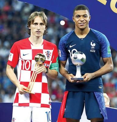 莫德里奇和姆巴佩分别获金球奖和最佳新人奖。
