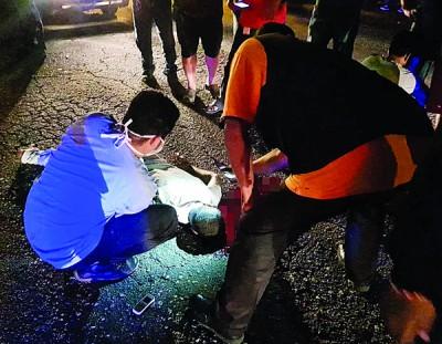 医护人员到场时,证实死者已断气身亡。