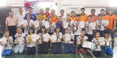 张铭辉武术学院选手在全国武术新秀赛获得8金3银3枚,在KPM全国武术赛拿下10金2银16铜。