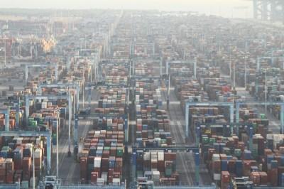 巴生港口货柜吞吐量下跌,当局受促拉回吞吐量。