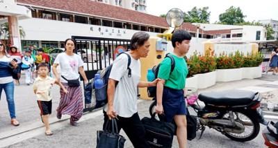 三山小学一到三年级学生自7月12天起到21天须停课,因避免更多低年级学生感染。有关四到六年级学生则不为影响,照常上课。(档案照)
