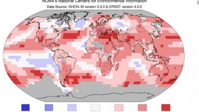 新民主主义革命代表比平均温度暖、蓝色代表比平均温度冷,整治张地图几乎满江红。