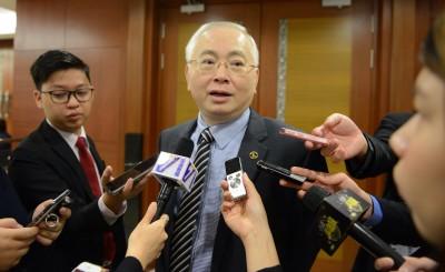 魏家祥认为首相代答财政部问题,非常罕见。