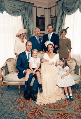 英国路易王子洗礼后的全家福。