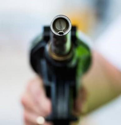 纳吉撰文讲解油价争议,强调取消燃油补贴后仍不征税。
