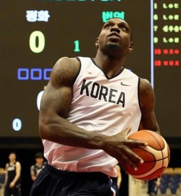 拉特里夫助阵韩国男篮,成为卫冕冠军在本届亚运征途的焦点。