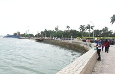 由槟岛市政厅及乔治市保护及发展机构(GTCDC)共同出资进行的旧关仔角海堤修复计划,预计将使用36个月进行,即于2021年8月26日将会全面竣工。