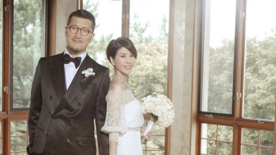 许茹芸和韩籍老公交往仅6个月就闪婚。