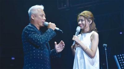 巫启贤9月22日在云顶开唱,并携大马新生代女歌手李佩玲担任嘉宾同台演出。