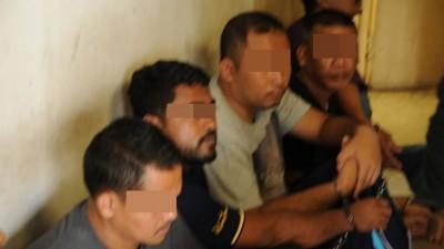泰国海盗劫持2本土渔船及11何谓渔民事件是被昨天(周末)上午盖8经常33分,出于邻近浮罗交怡海域的浪坤岛附近。