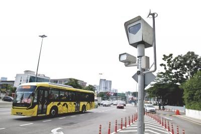 全国有47台摄像头,只有38台正在使用,前朝政府计划在今年增设100台。