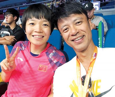 陈清晨获得香港歌手李克勤加油鼓励。