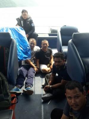 4名持枪海盗被大马海警制伏。