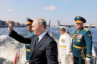 普京拿专门邀请中国解放军和俄军进行联合军演。