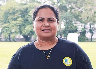 槟州马运会射箭队教练莎玛妮。