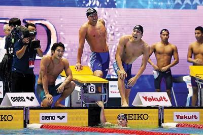 日本男子队破接力亚洲纪录。