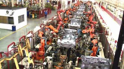 敦马仍坚持发展国产车工业,最终可带领国家走向繁荣昌盛。(档案照)