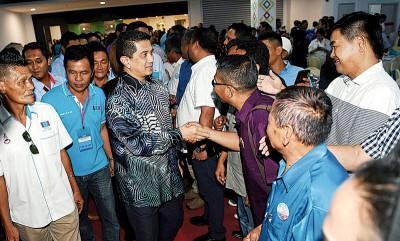 阿兹敏出席公正党于沙巴州举行的马来西亚日晚宴。