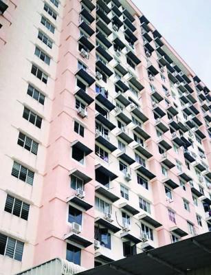 霹雳冷斯里旺沙第75所公寓外观。