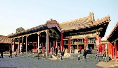 清朝由努尔哈赤交溥仪共十二号当今,中八号王曾经在养心殿居住执政。