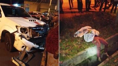 (左)皮卡车车头损坏,显见当时的撞击力非常大。(右)奴鲁阿迪卡被撞弹指沟渠旁,当场毙命。