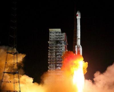 华夏用长征三号乙运载火箭成功发射2发北斗导航卫星。