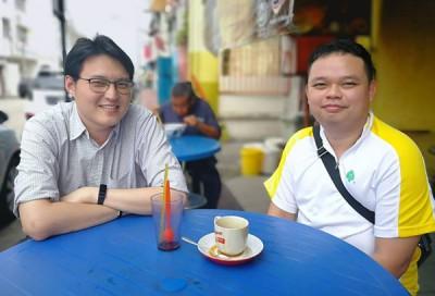 (左起)青年商人董安鲁及陈湕玮。