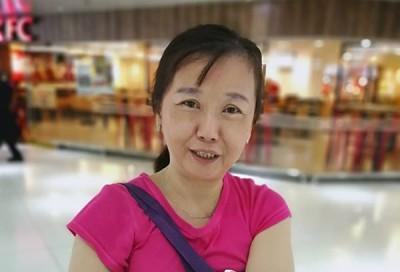 退休老师李丽