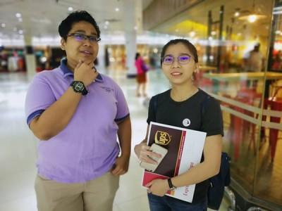 (左起)法查儿及黄婉蓉不赞成降低投票者年龄。