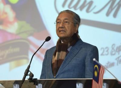 马哈迪:前朝当局贪腐败国,当局现邪在专正视振行政机关财政。