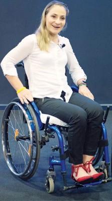 德国场地脚车名将克里斯蒂娜·沃格尔重伤导致胸部以下瘫痪后,周三首次公开亮相。
