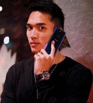 印尼小帅哥亚运夺冠后爆红,得中国手机品牌天价邀请担任代言人!