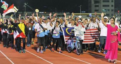 运动员入场是开幕亮点,他们根据体育项目入场,不是根据国家。