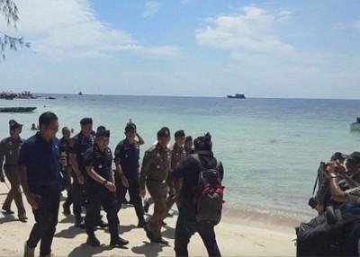 多名旅客先后在龟岛丧命。