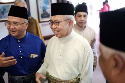 """东姑拉沙里认为,将华裔及印裔列为""""马来人"""",是国家团结的最佳方案。(档案照)"""