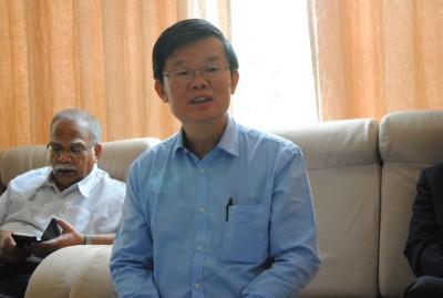 曹观友:槟州政府已成功说服中央政府及交通部长槟州要兴建轻快铁计划的决心及必要性,不过,接下来尚需针对轻快铁路线进行修正。