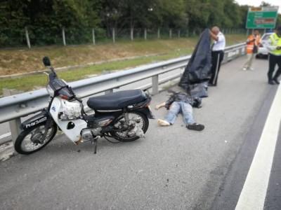 意外发生后,儿子因头部重创当场丧命。