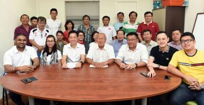 民政党槟州党选高挂免战牌,主席、州委及中央代表全都不战而胜。