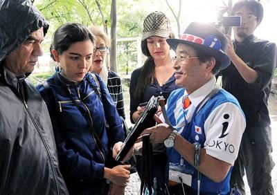 NHK电视台的报道指出,日本人对奥运会比较冷淡,仅有两成的人愿意去当志愿者。