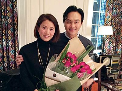 袁咏仪和张智霖爱情场跑多年结婚,两人目前育有一子。