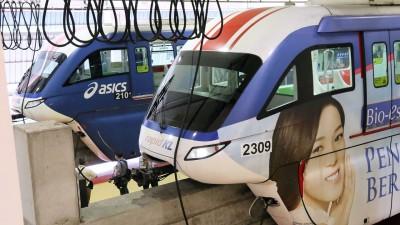 4节车厢火车因发生意外,从今年1月起被搁置在单轨火车车库。