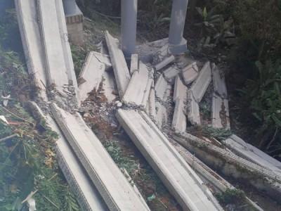 垄尾平行大道工程桥梁10月11日发生局部坍塌。