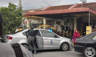 警方到场展开调查。
