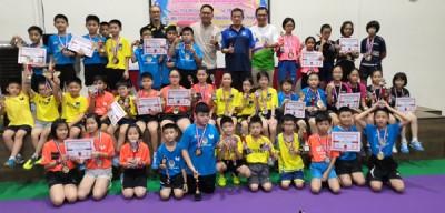 彭加兰哥打区青苗乒乓邀请赛全体优胜者合影。