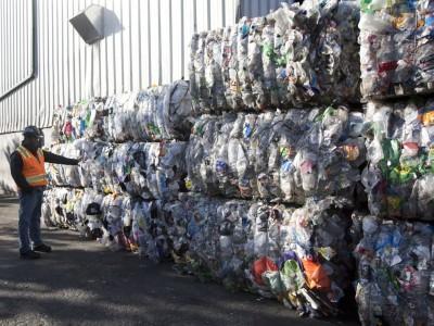 因英国皇家税务暨海关部数据,英国今年1顶4月输出至大马的塑料废料成长约3倍。