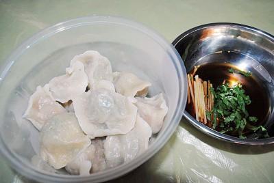 中国师父做的东北饺子别有风味。