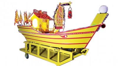 江文秀每年都会费心思为皇船添加创意。
